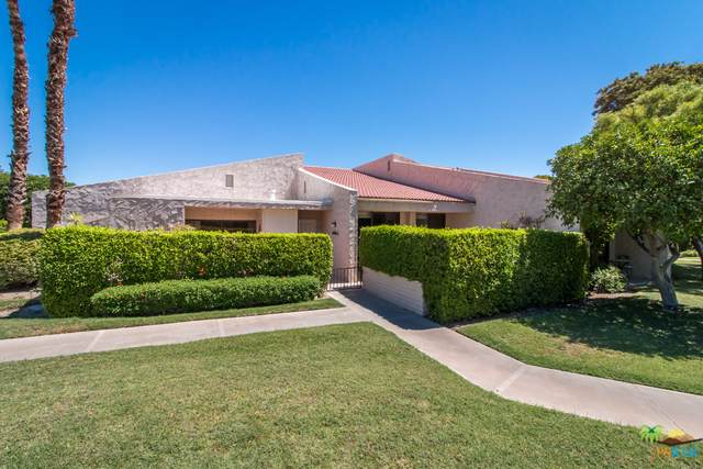 2556 N Whitewater Club Drive D, Palm Springs, CA 92262 (MLS #19499608PS) :: Brad Schmett Real Estate Group