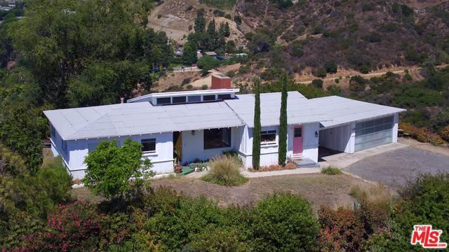 6258 Mulholland Highway, Los Angeles (City), CA 90068 (MLS #19501040) :: Hacienda Group Inc