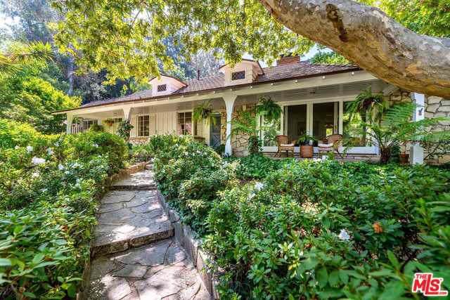 3142 Brookdale Road, Studio City, CA 91604 (MLS #19501388) :: Hacienda Group Inc