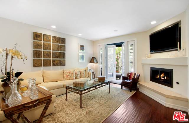 1114 Princeton Street #2, Santa Monica, CA 90403 (MLS #19501534) :: The John Jay Group - Bennion Deville Homes