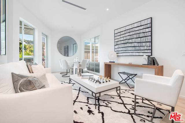 1030 N Kings Road #106, West Hollywood, CA 90069 (MLS #19502060) :: The John Jay Group - Bennion Deville Homes