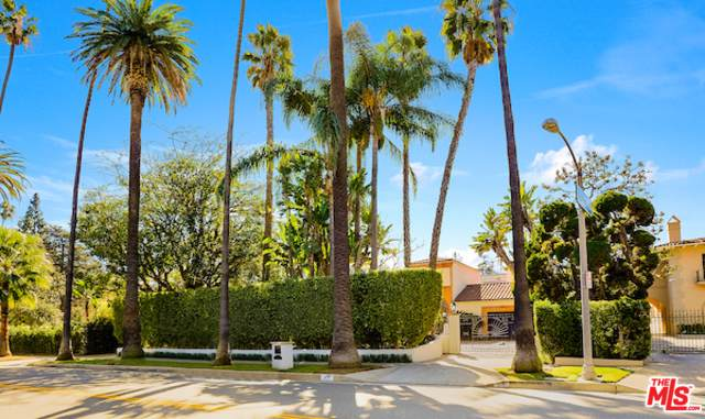 915 Benedict Canyon Drive, Beverly Hills, CA 90210 (MLS #19502866) :: The Jelmberg Team