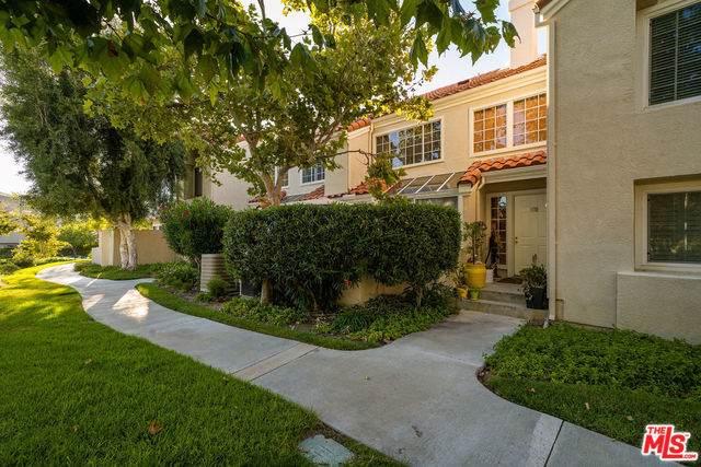 4240 Lost Hills Road #603, Calabasas, CA 91301 (MLS #19503228) :: Mark Wise | Bennion Deville Homes