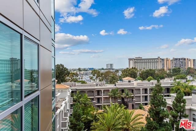 13700 Marina Pointe Drive #718, Marina Del Rey, CA 90292 (MLS #19505784) :: The John Jay Group - Bennion Deville Homes