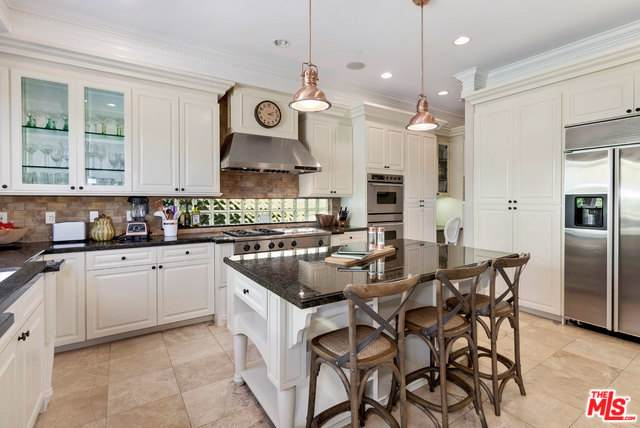 16673 Calle Haleigh, Pacific Palisades, CA 90272 (MLS #19508120) :: The John Jay Group - Bennion Deville Homes