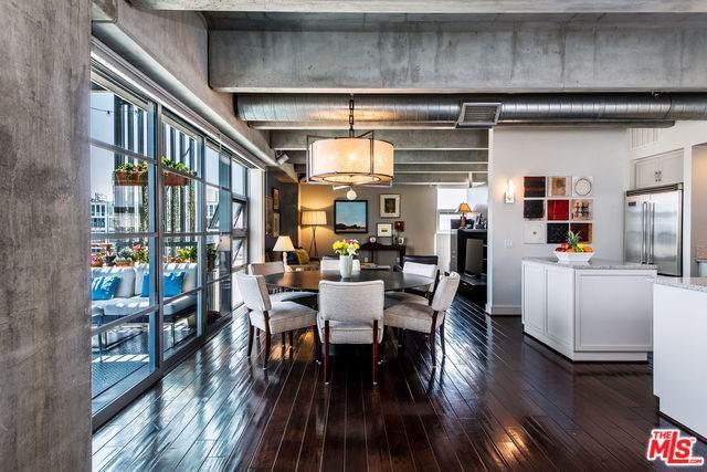 4141 Glencoe Avenue #411, Marina Del Rey, CA 90292 (MLS #19508148) :: The John Jay Group - Bennion Deville Homes