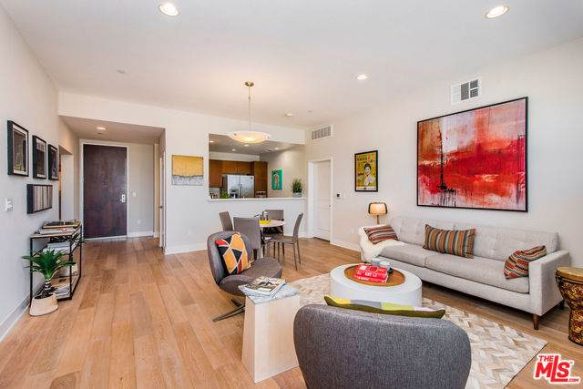13337 Beach Avenue #309, Marina Del Rey, CA 90292 (MLS #19508518) :: The John Jay Group - Bennion Deville Homes