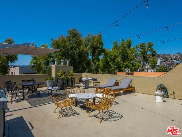 750 N Kings Road, Los Angeles (City), CA 90069 (MLS #19509008) :: Hacienda Agency Inc