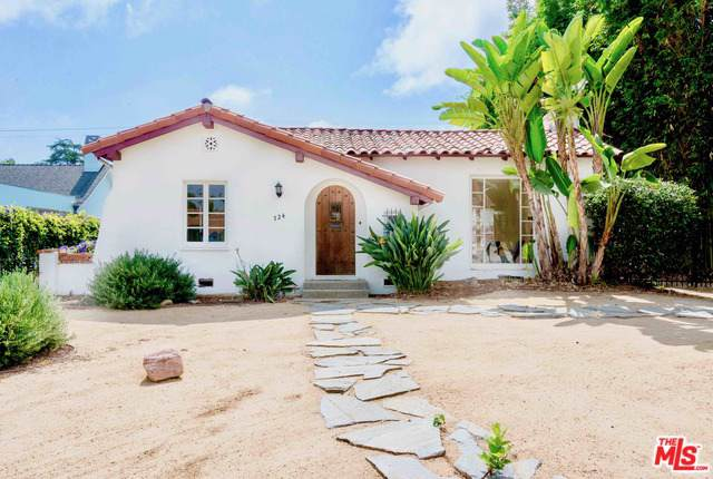 724 19th Street, Santa Monica, CA 90402 (MLS #19509426) :: The John Jay Group - Bennion Deville Homes