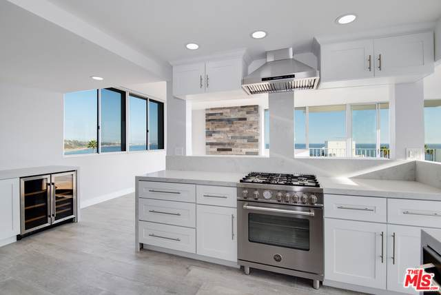 17350 W Sunset, Pacific Palisades, CA 90272 (MLS #19509440) :: The John Jay Group - Bennion Deville Homes