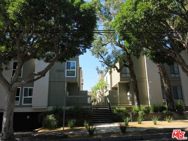 2909 Arizona Avenue #3, Santa Monica, CA 90404 (MLS #19510724) :: The John Jay Group - Bennion Deville Homes