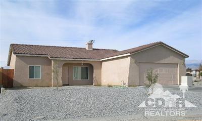 15265 Avenida Rambla, Desert Hot Springs, CA 92240 (MLS #218001968) :: Brad Schmett Real Estate Group