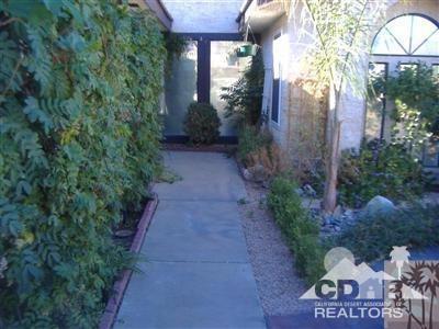 53553 Avenida Villa, La Quinta, CA 92253 (MLS #218004786) :: Brad Schmett Real Estate Group