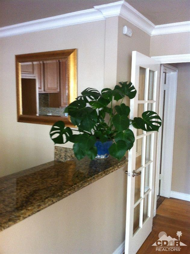 626 Chestnut Avenue #1, Long Beach, CA 90802 (MLS #218007316) :: The John Jay Group - Bennion Deville Homes
