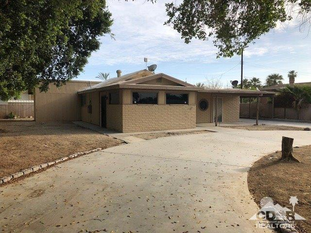 239 Imperial Avenue, Thermal, CA 92274 (MLS #218013454) :: Hacienda Group Inc