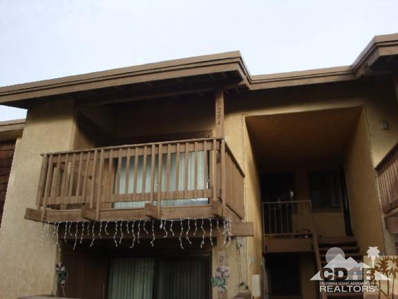 45546 Aladdin Street D204, Indio, CA 92201 (MLS #218013748) :: Brad Schmett Real Estate Group