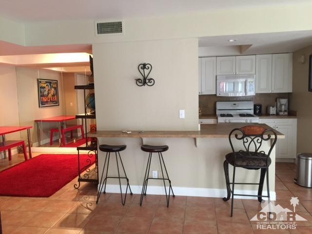 1550 S Camino Real #117, Palm Springs, CA 92264 (MLS #218015676) :: Team Wasserman