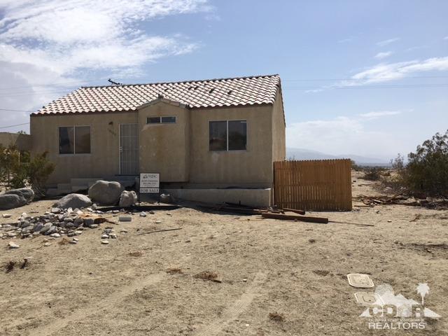 16100 Carol Drive, Desert Hot Springs, CA 92240 (MLS #218020114) :: Team Wasserman