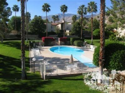 2180 S Palm Canyon Drive #35, Palm Springs, CA 92264 (MLS #218020960) :: The John Jay Group - Bennion Deville Homes