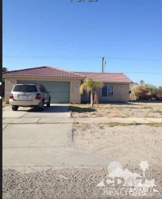 1239 China Sea Avenue, Thermal, CA 92274 (MLS #218022272) :: Brad Schmett Real Estate Group