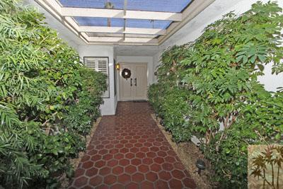 6 Palomas, Rancho Mirage, CA 92270 (MLS #218023902) :: The John Jay Group - Bennion Deville Homes