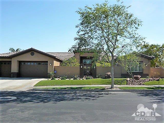 21 Buckingham Way, Rancho Mirage, CA 92270 (MLS #218024654) :: Brad Schmett Real Estate Group