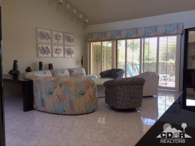 201 Winterhaven Circle, Palm Desert, CA 92260 (MLS #218026024) :: The John Jay Group - Bennion Deville Homes