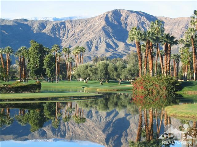 900 Island Drive #704, Rancho Mirage, CA 92270 (MLS #218026108) :: The Sandi Phillips Team