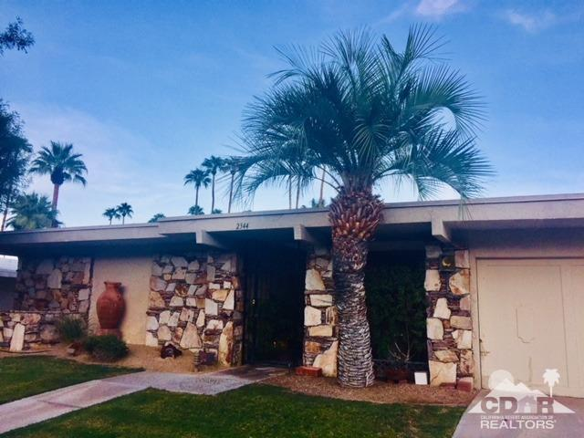 2344 S Madrona Drive, Palm Springs, CA 92264 (MLS #218026408) :: Deirdre Coit and Associates