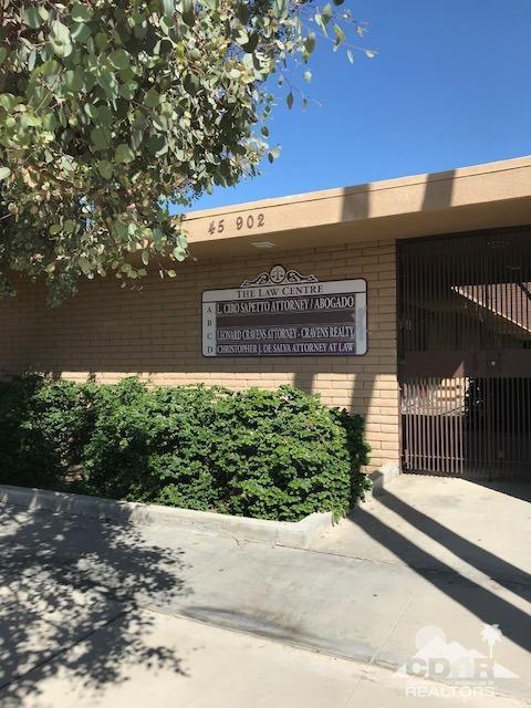 45902 Oasis Street, Indio, CA 92201 (MLS #218026566) :: Brad Schmett Real Estate Group