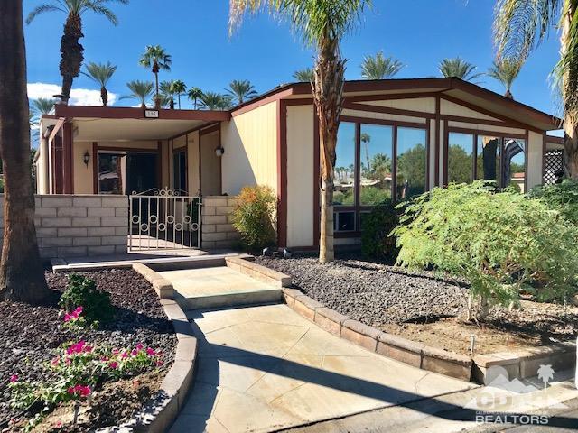197 International Blvd, Rancho Mirage, CA 92270 (MLS #218027888) :: Brad Schmett Real Estate Group