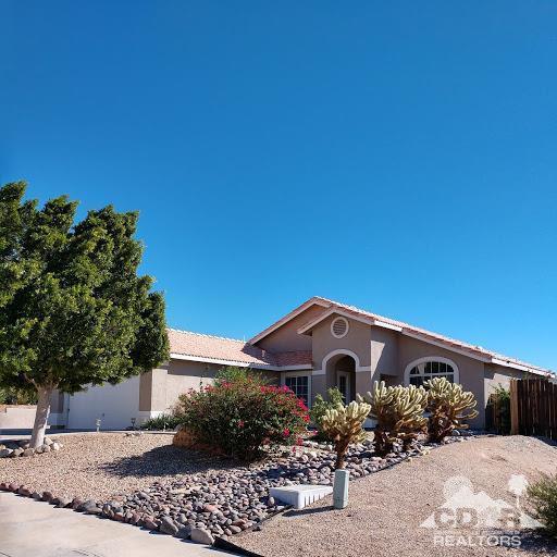 65933 Avenida Dorado, Desert Hot Springs, CA 92240 (MLS #218029034) :: Brad Schmett Real Estate Group