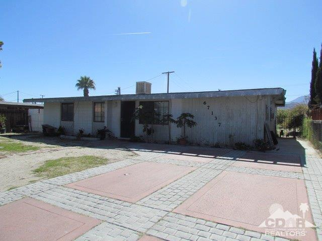 67137 Santa Barbara Drive, Cathedral City, CA 92234 (MLS #218032556) :: Brad Schmett Real Estate Group