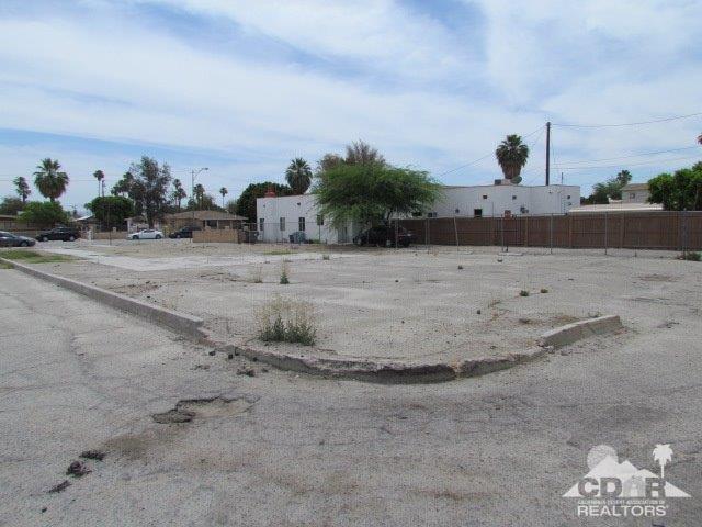 44755 King Street, Indio, CA 92201 (MLS #218032558) :: Brad Schmett Real Estate Group