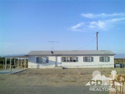 2496 Sea Life Avenue, Salton City, CA 92274 (MLS #219000905) :: The John Jay Group - Bennion Deville Homes