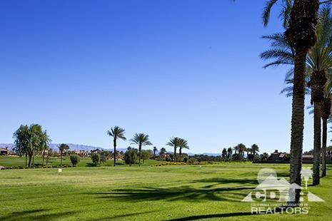 43112 Via Siena, Indian Wells, CA 92210 (MLS #219004225) :: Brad Schmett Real Estate Group