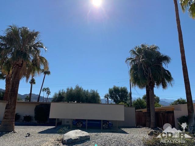 74459 Chicory Street, Palm Desert, CA 92260 (MLS #219004561) :: Brad Schmett Real Estate Group