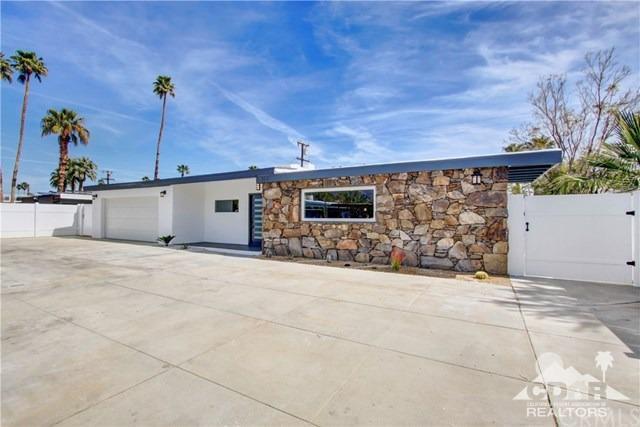 820 S Calle Tomas, Palm Springs, CA 92264 (MLS #219008175) :: Brad Schmett Real Estate Group