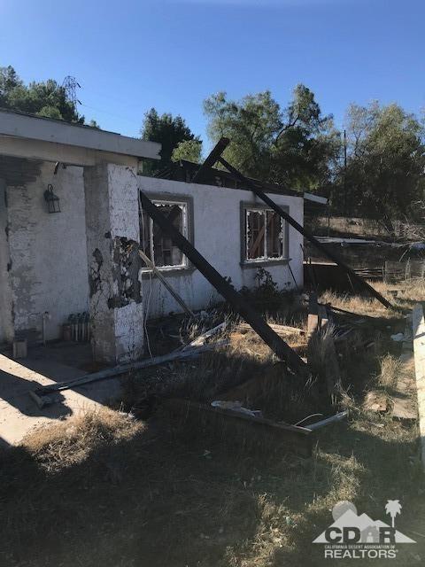 6960 Pearl Street, Riverside (City), CA 92509 (MLS #219015981) :: The John Jay Group - Bennion Deville Homes
