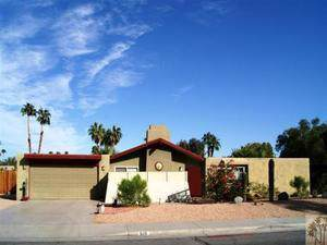 526 N Sunset Way, Palm Springs, CA 92262 (MLS #219032420) :: The Sandi Phillips Team