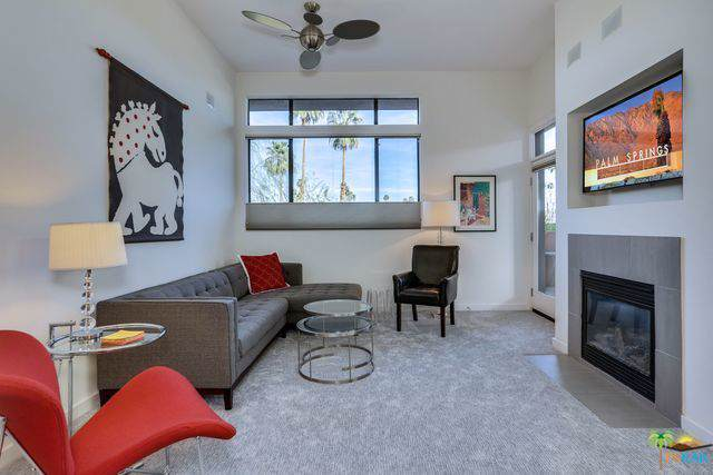 1010 E Palm Canyon Drive, Palm Springs, CA 92264 (MLS #219032465) :: The John Jay Group - Bennion Deville Homes