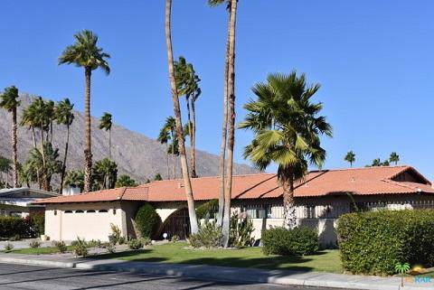 1338 E Via Estrella, Palm Springs, CA 92264 (MLS #219033254) :: The Sandi Phillips Team