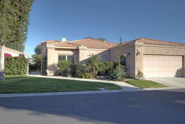 48531 Via Amistad, La Quinta, CA 92253 (MLS #219036525) :: The Sandi Phillips Team