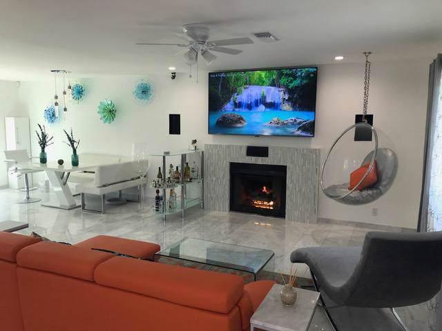 73387 Guadalupe Avenue, Palm Desert, CA 92260 (MLS #219037602) :: The Sandi Phillips Team