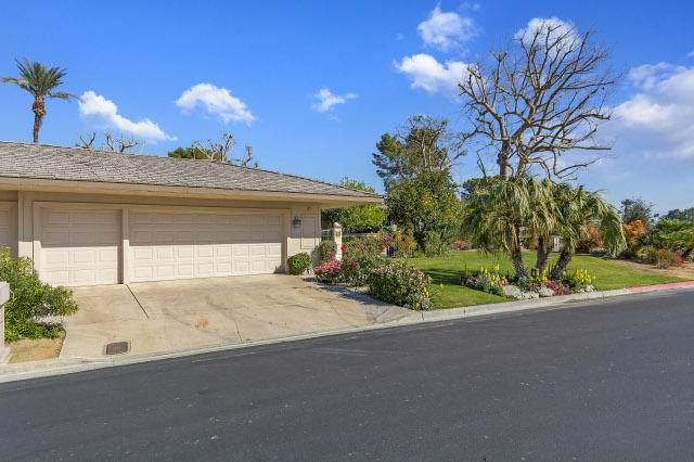 38 Columbia Drive, Rancho Mirage, CA 92270 (MLS #219038874) :: The Jelmberg Team