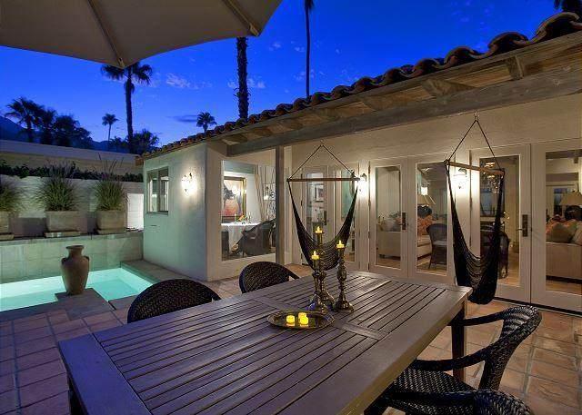 247 W Stevens Road, Palm Springs, CA 92262 (MLS #219039513) :: Brad Schmett Real Estate Group