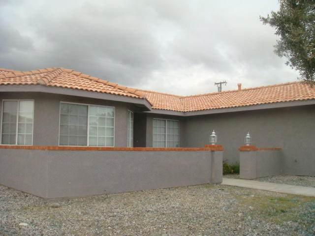 66214 Avenida Dorado, Desert Hot Springs, CA 92240 (MLS #219041655) :: Brad Schmett Real Estate Group