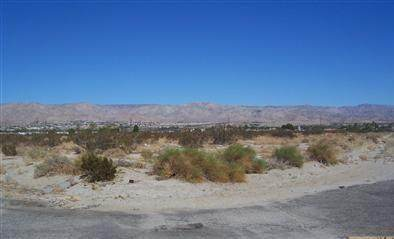 0 Claire Avenue, Desert Hot Springs, CA 92240 (MLS #219043260) :: The Sandi Phillips Team