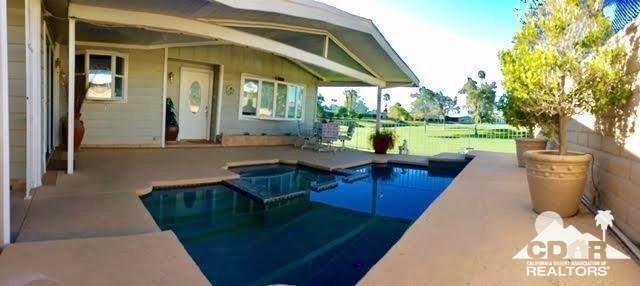 39719 Desert Angel Drive, Palm Desert, CA 92260 (MLS #219044282) :: The Sandi Phillips Team