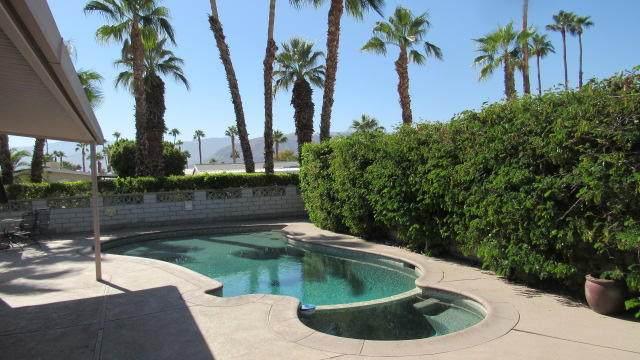 73182 Palm Greens Parkway, Palm Desert, CA 92260 (MLS #219046612) :: Hacienda Agency Inc